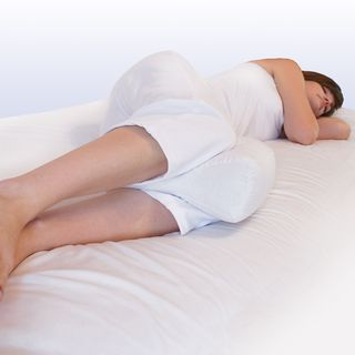 Sleeping on your side with the square knee pillow