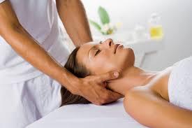 Getting neck massage