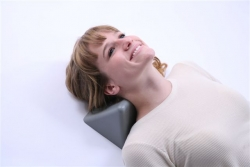 Soft neck orthotic for neck stretching