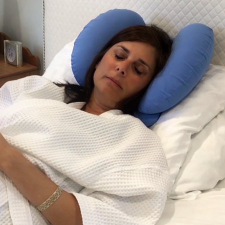 Sleep on your back with the cosmed pillow